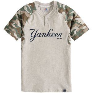 NY Yankees Majestic Youth Base Stealer Henley T-Shirt – Cream/Camo