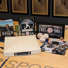 New York Yankees Ultimate Fan Box