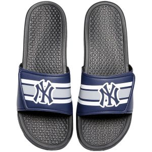 New York Yankees Youth Stripe Legacy Sport Slides